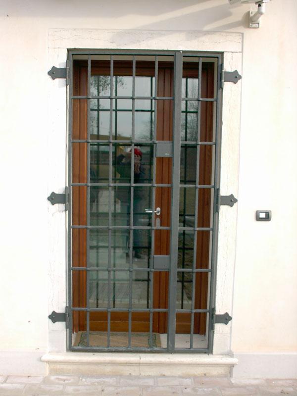 Inferriate ferro d 39 lite - Inferriata porta ...