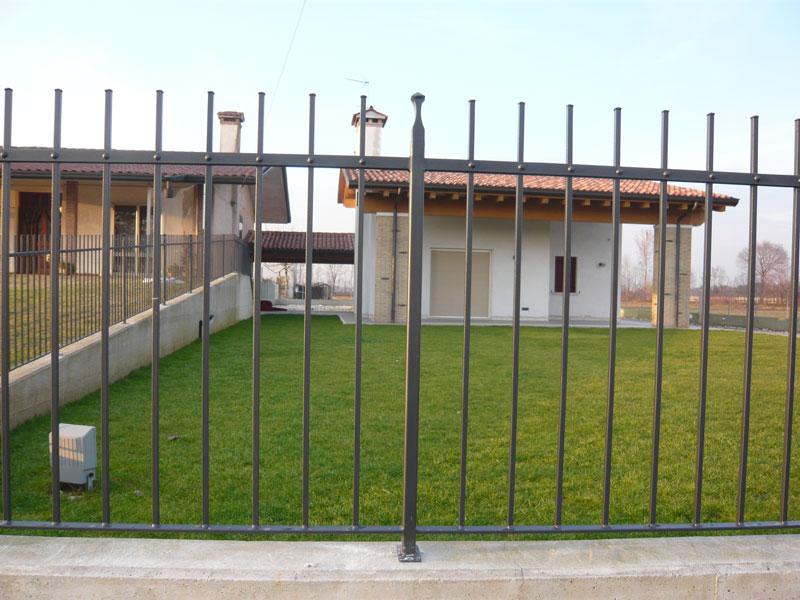 Ringhiere per recinzioni ferro d 39 lite for Immagini recinzioni