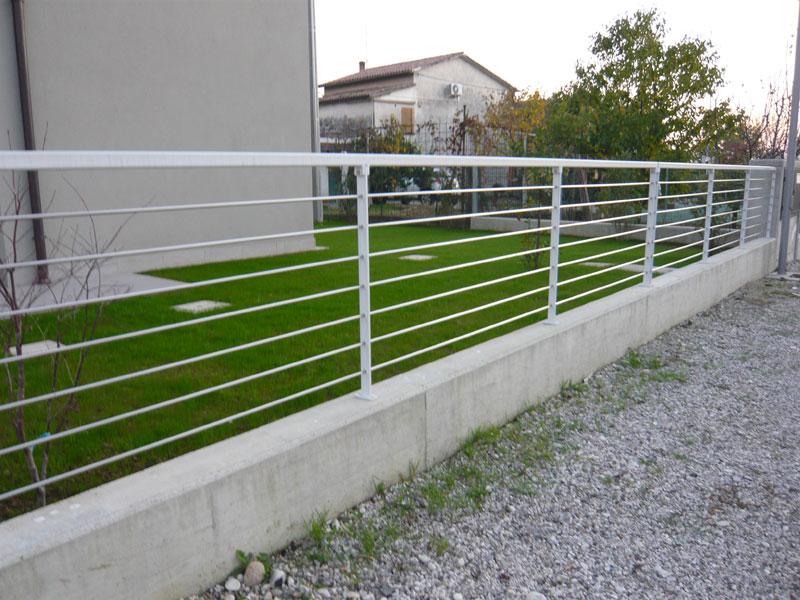 Ringhiere per recinzioni ferro d 39 lite - Ringhiere per giardino ...